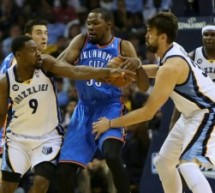 Kevin Durant Gets No Help Late in Game 4
