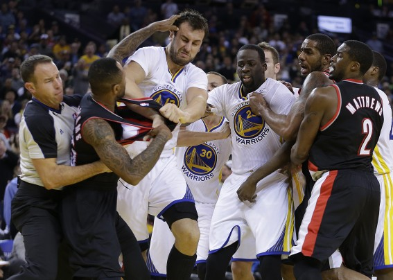 Trail Blazers Warriors Basketball.JPEG-0f85b